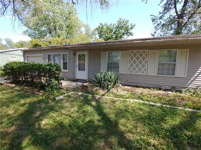 711 N 83rd Terrace, Kansas City, KS 66112 (#2126963) :: Edie Waters Network
