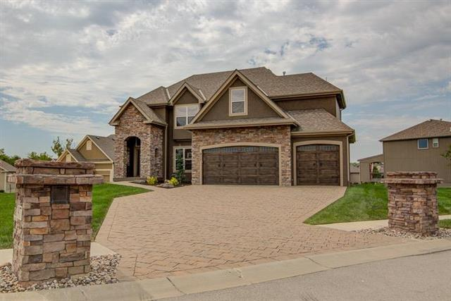 917 NW 94th Street, Kansas City, MO 64155 (#2127066) :: Team Real Estate