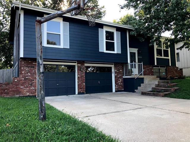 2809 SE 7th Street, Blue Springs, MO 64014 (#2127427) :: Edie Waters Network