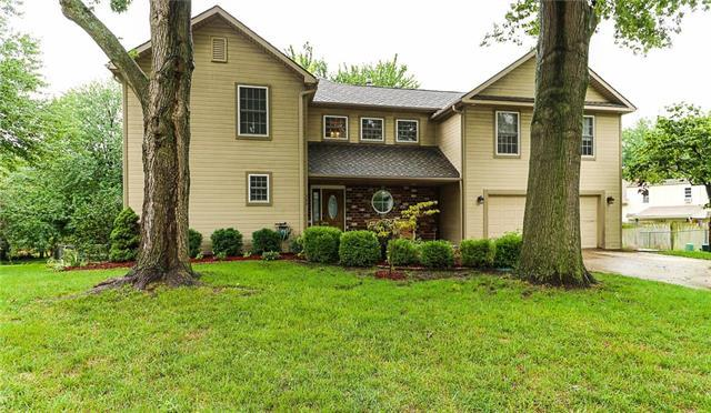 707 NW 16th Street, Blue Springs, MO 64015 (#2127601) :: The Shannon Lyon Group - ReeceNichols