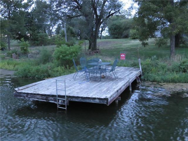 15387 Lake Road 2 Street, Gardner, KS 66030 (#2128087) :: Edie Waters Network