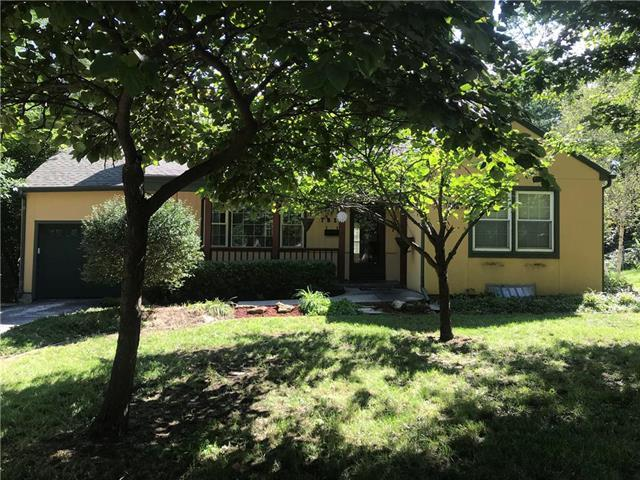 7819 Hardy Street, Overland Park, KS 66204 (#2128389) :: Edie Waters Network