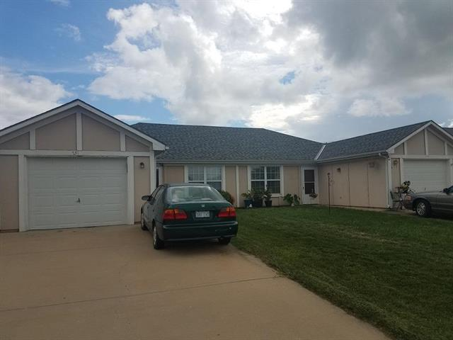 749 Pinewood Street, Gardner, KS 66030 (#2128590) :: Edie Waters Network