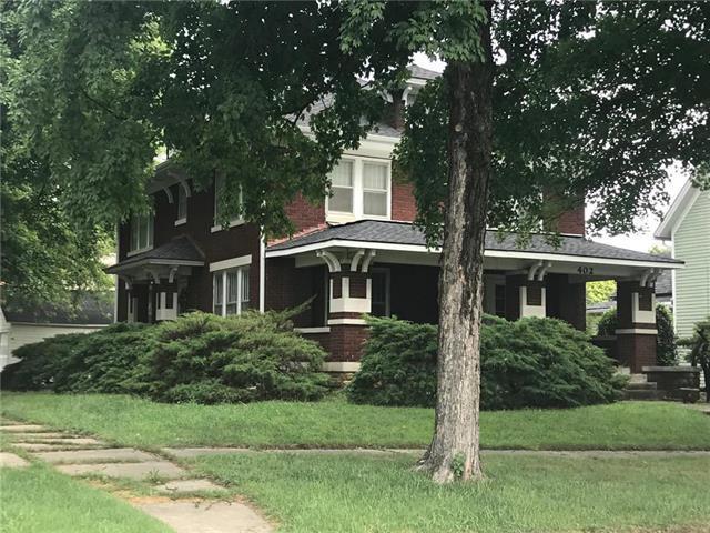 402 E Peoria Street, Paola, KS 66071 (#2128798) :: Char MacCallum Real Estate Group