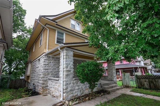 4118 Charlotte Street, Kansas City, MO 64110 (#2128954) :: Edie Waters Network