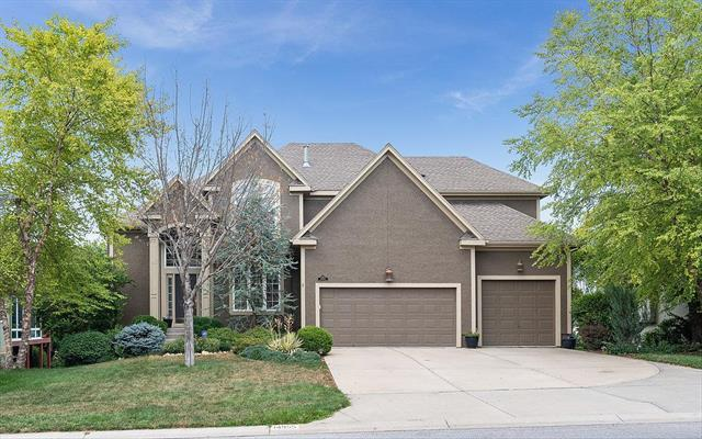 14955 S Roxburghe Street, Olathe, KS 66061 (#2128956) :: Edie Waters Network