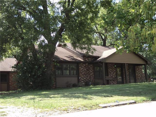 317 Martin Avenue, Osawatomie, KS 66064 (#2129059) :: Edie Waters Network