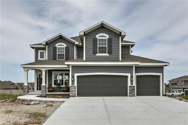 20929 Emerald Street, Spring Hill, KS 66083 (#2129206) :: House of Couse Group