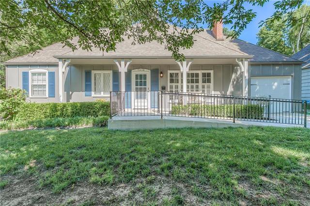 7938 Norwood Street, Prairie Village, KS 66208 (#2129268) :: Char MacCallum Real Estate Group