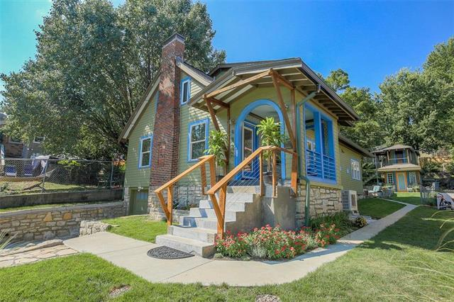 4822 Wyoming Street, Kansas City, MO 64112 (#2129707) :: Edie Waters Network