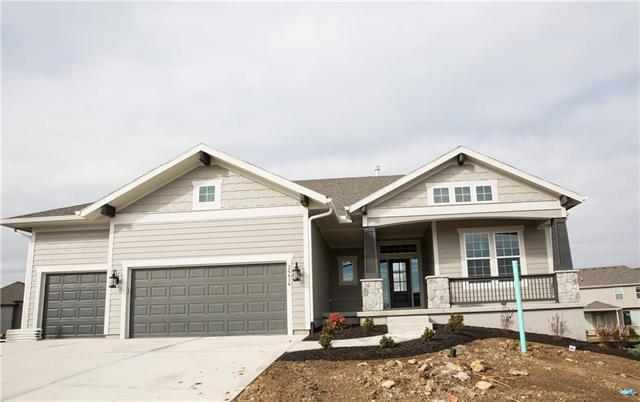 24616 W 126th Terrace, Olathe, KS 66061 (#2129724) :: The Shannon Lyon Group - ReeceNichols