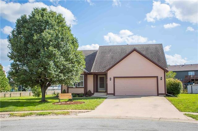 320 Ghost Creek Circle, Gardner, KS 66030 (#2129913) :: Edie Waters Network