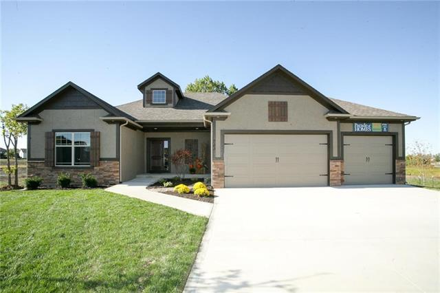 1301 NW Lindenwood Drive, Grain Valley, MO 64029 (#2130077) :: No Borders Real Estate