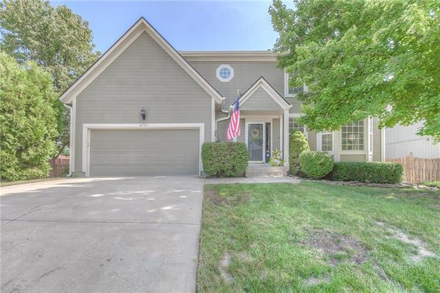 4721 Lone Elm Street, Shawnee, KS 66226 (#2130196) :: Char MacCallum Real Estate Group