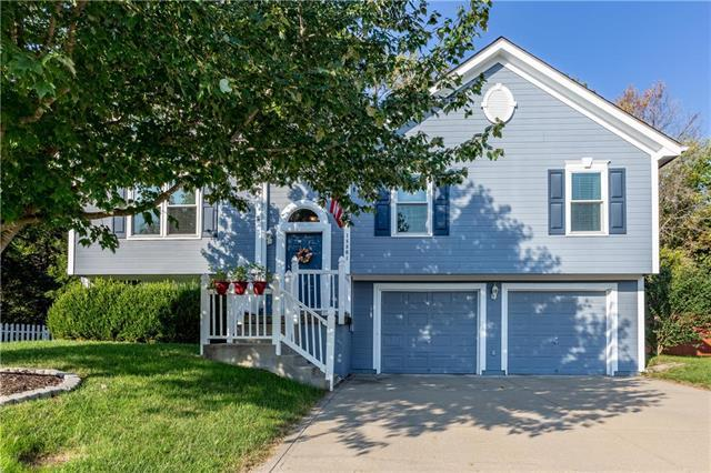 18801 E 12th Street Court, Independence, MO 64057 (#2130272) :: Edie Waters Network