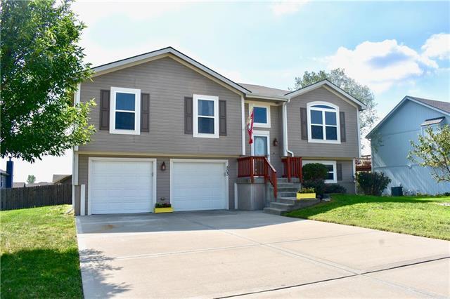 503 Lake Meadows Drive, Smithville, MO 64089 (#2130373) :: Kansas City Homes