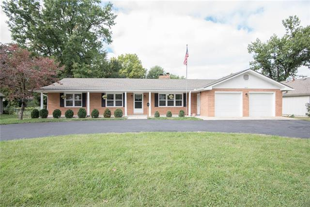3204 S Crysler Avenue, Independence, MO 64055 (#2130560) :: Edie Waters Network