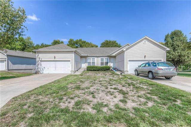 23500 W 73rd Street, Shawnee, KS 66227 (#2130608) :: Char MacCallum Real Estate Group