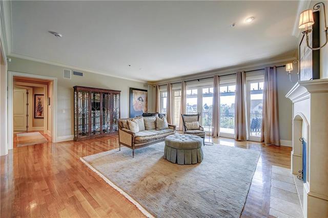 4801 W 133rd Street #205, Leawood, KS 66209 (#2130739) :: No Borders Real Estate