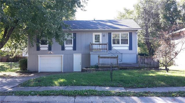 1707 Ann Avenue, Harrisonville, MO 64701 (#2130892) :: Edie Waters Network