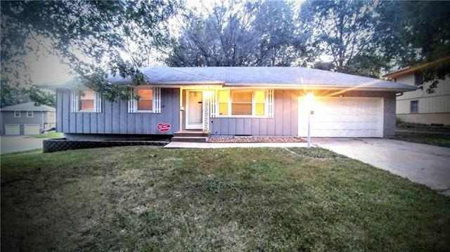 4312 S Union Street, Independence, MO 64055 (#2130999) :: Edie Waters Network