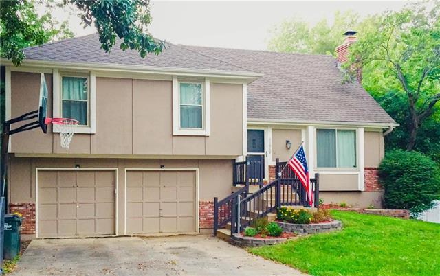 11912 W 49th Street, Shawnee, KS 66216 (#2131029) :: Edie Waters Network