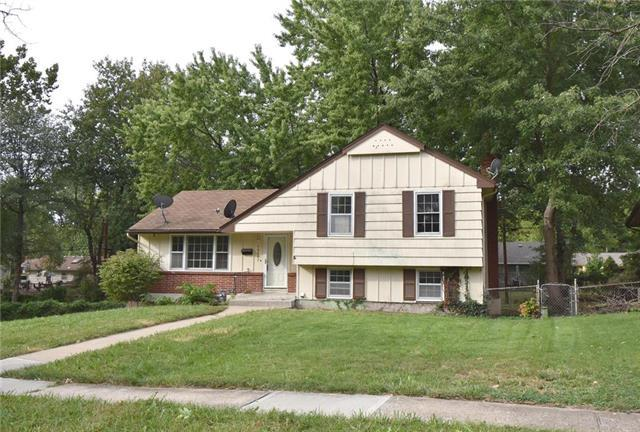 10607 E 80th Street, Raytown, MO 64138 (#2131194) :: Edie Waters Network