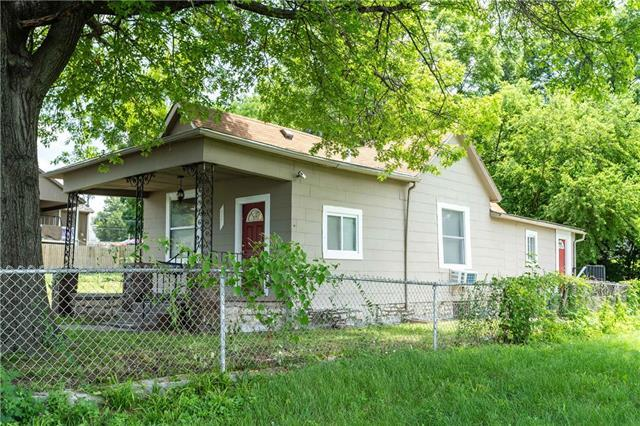 729 Oakland Avenue, Kansas City, KS 66101 (#2131618) :: Team Real Estate