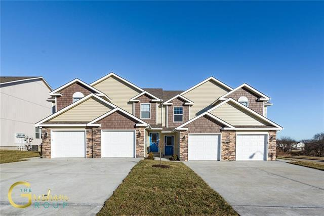 102 W Grant Drive, Raymore, MO 64083 (#2132440) :: Edie Waters Network
