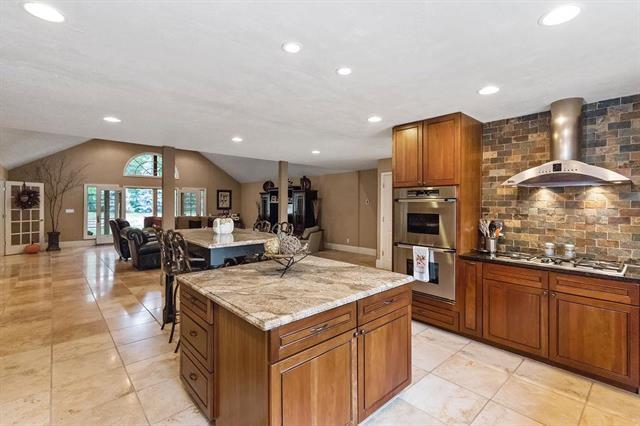 475 Terrace Trail, Lake Quivira, KS 66217 (#2132564) :: Team Real Estate