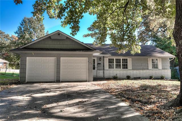 805 Mohawk Avenue, Independence, MO 64056 (#2132748) :: Edie Waters Network