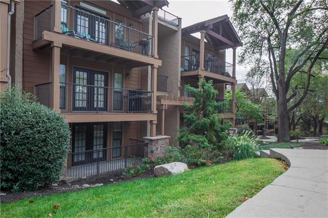 4727 Jarboe Street #31, Kansas City, MO 64112 (#2132752) :: No Borders Real Estate