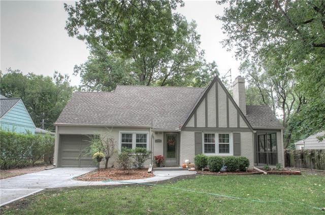 5141 Birch Street, Roeland Park, KS 66205 (#2132967) :: Team Real Estate