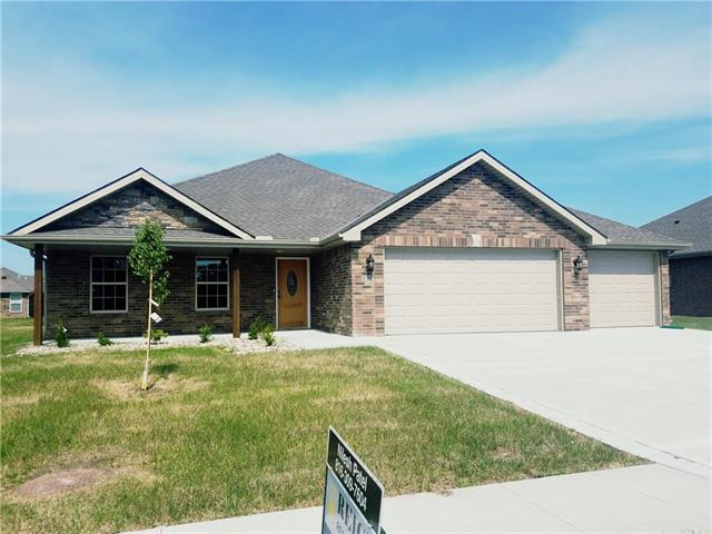112 NW Lindsey Lane, Grain Valley, MO 64029 (#2132984) :: No Borders Real Estate