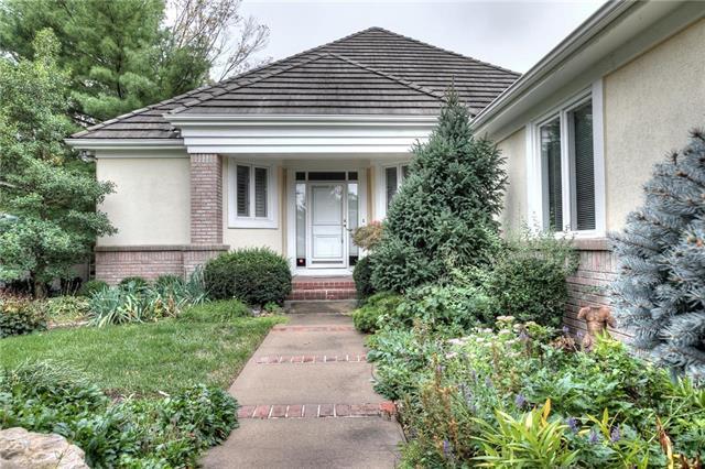 4634 N Holly Court, Kansas City, MO 64116 (#2133211) :: Edie Waters Network