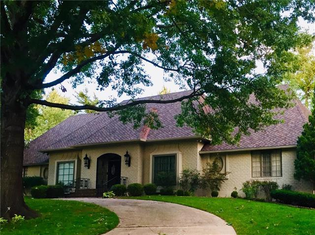 8415 Ensley Place, Leawood, KS 66206 (#2133324) :: Char MacCallum Real Estate Group