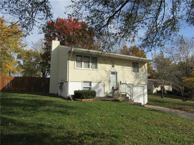 18410 E Shoshone Drive, Independence, MO 64058 (#2133473) :: Edie Waters Network