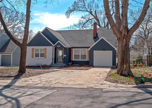 5338 Clark Drive, Roeland Park, KS 66205 (#2133779) :: House of Couse Group