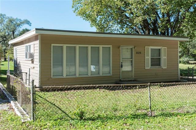 5516 Oakley Avenue, Kansas City, MO 64130 (#2133801) :: Edie Waters Network