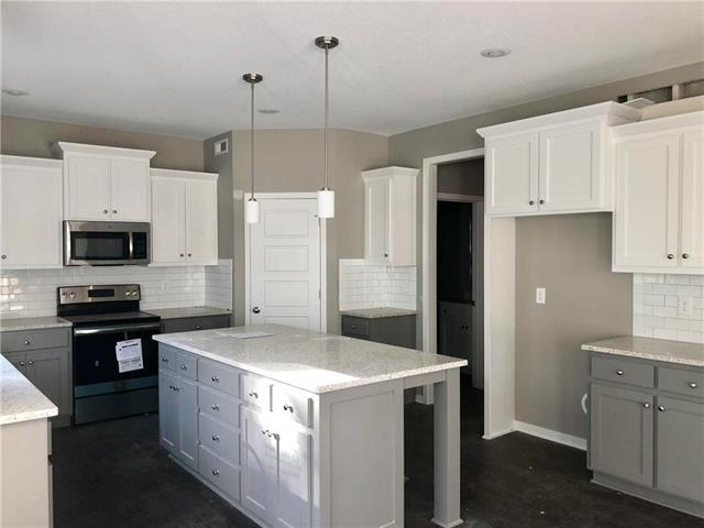 705 N Laurel Street, Gardner, KS 66030 (#2134011) :: Eric Craig Real Estate Team