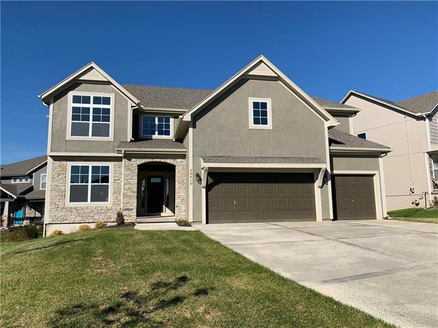 20410 W 107th Terrace, Olathe, KS 66061 (#2134015) :: Edie Waters Network