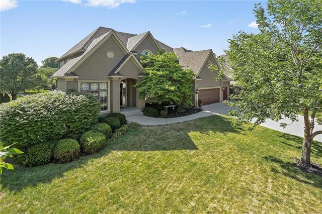14008 Fontana Street, Leawood, KS 66224 (#2134627) :: No Borders Real Estate
