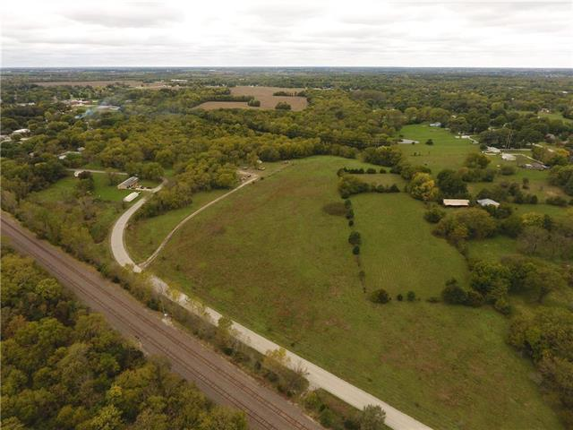 19570 Nall Avenue, Stilwell, KS 66085 (#2134673) :: Team Real Estate