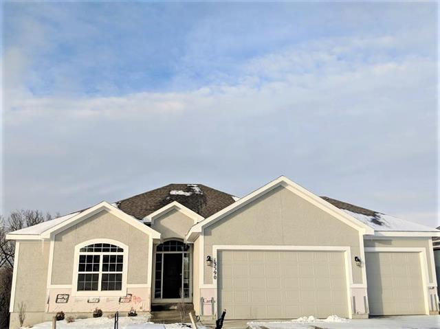 13590 NW 72nd Street, Parkville, MO 64152 (#2135125) :: Edie Waters Network
