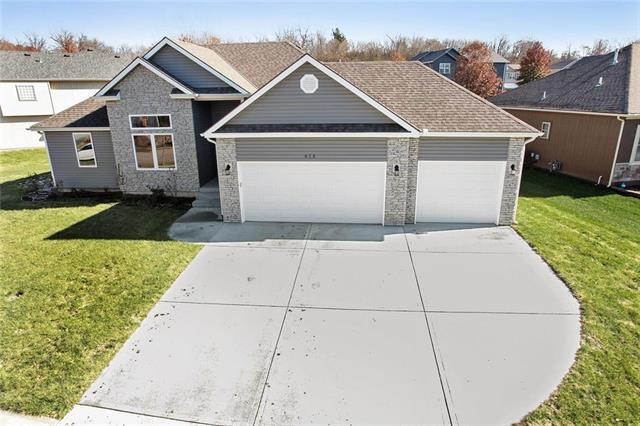 613 S Kisner Circle, Independence, MO 64056 (#2135356) :: House of Couse Group