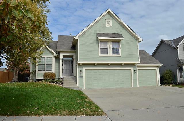 1600 NW 92nd Terrace, Kansas City, MO 64155 (#2135564) :: Edie Waters Network