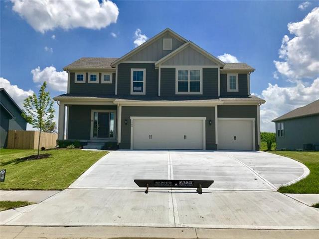 1709 SW Merryman Drive, Lee's Summit, MO 64082 (#2136115) :: House of Couse Group