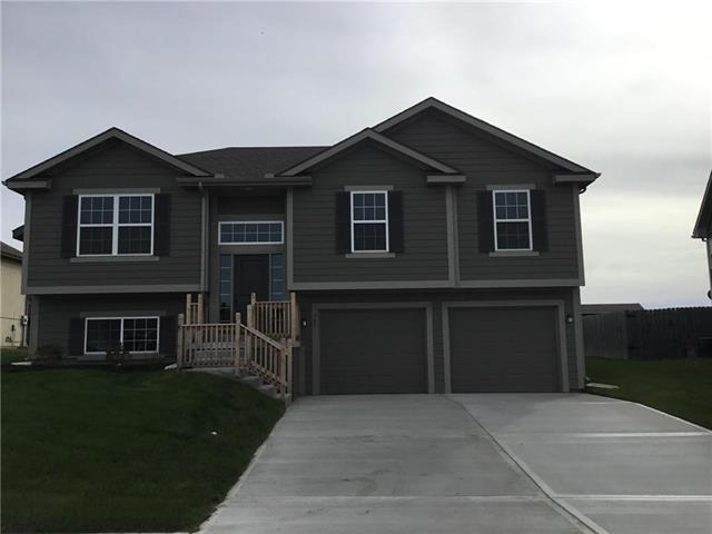 507 Hickory Ridge Drive, Grain Valley, MO 64029 (#2136227) :: House of Couse Group