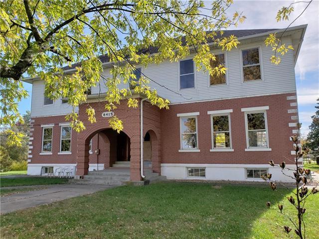 6415 W 199TH Street, Stilwell, KS 66085 (#2136489) :: Char MacCallum Real Estate Group