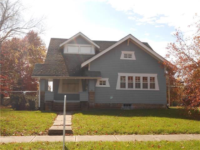1121 W 4th Street, Cameron, MO 64429 (#2136744) :: Edie Waters Network